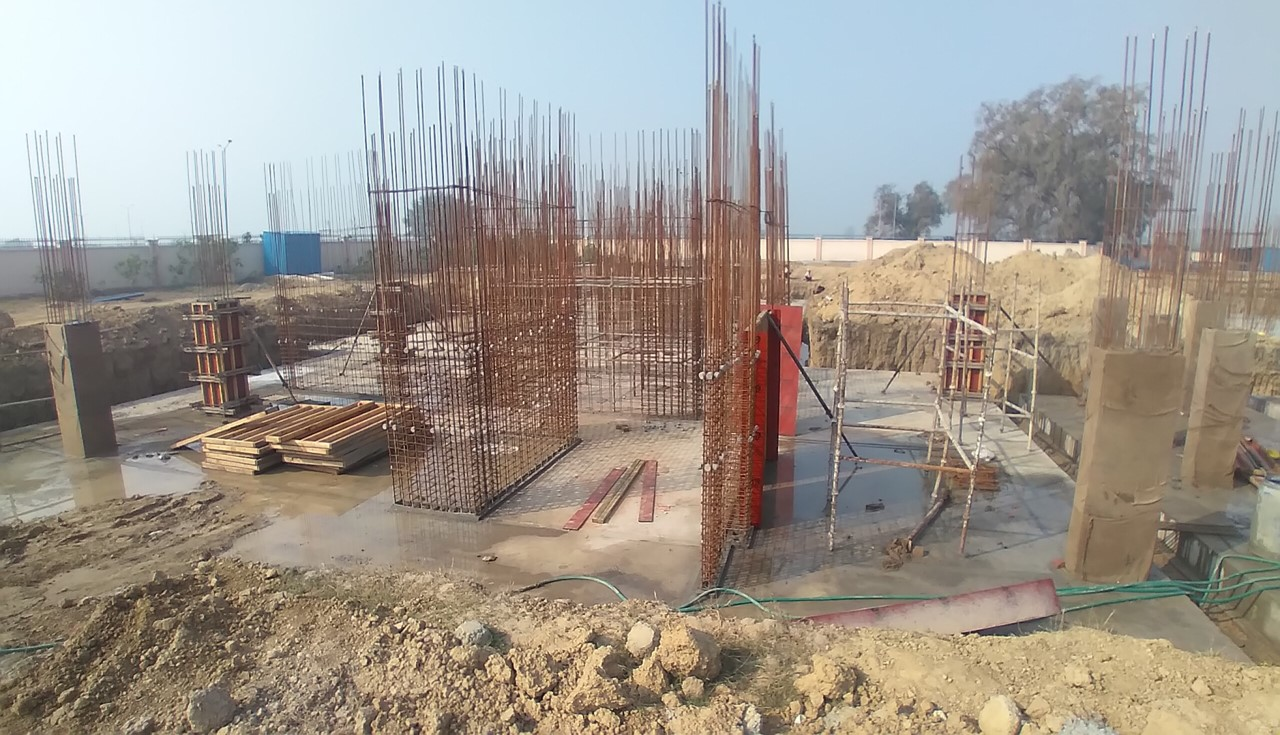 Hostel Block H1 – layout work in completed column casting work in progress 08.02.2021
